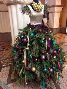 Манекен украшенный на Новый Год
