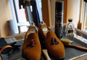 Уход за натуральной велюровой обувью