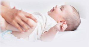 Смена белья новорожденным