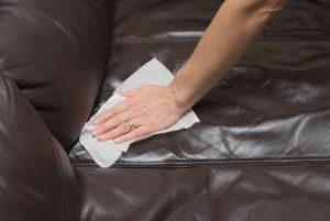 Протирание дивана