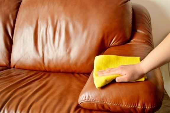 Чистка дивана из экокожи