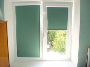 Рулонные шторы на пластиковых окнах