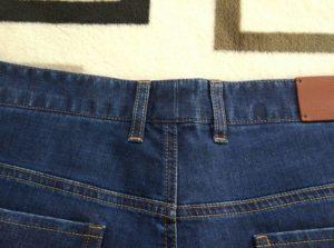 Шлёвки на поясе джинс