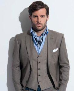 Шейный платок мужчине под рубашку