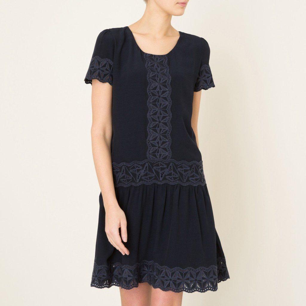Кружевные складки в низу платья