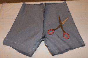 Процесс шитья шорт