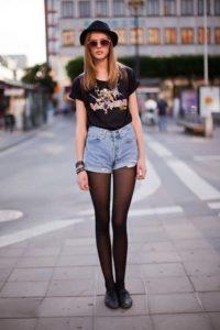 джинсовые шорты с колготками