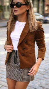 Короткая юбка под коричневый пиджак