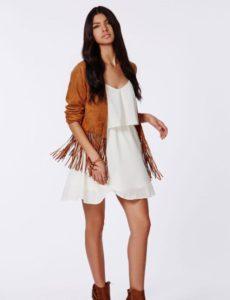 Женский коричневый пиджак в образе для прогулок