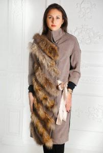 Пальто с атласной лентой
