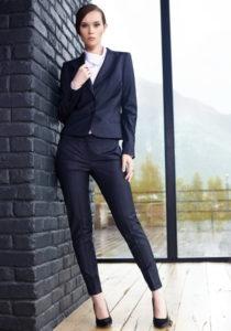 Пиджак и женские брюки
