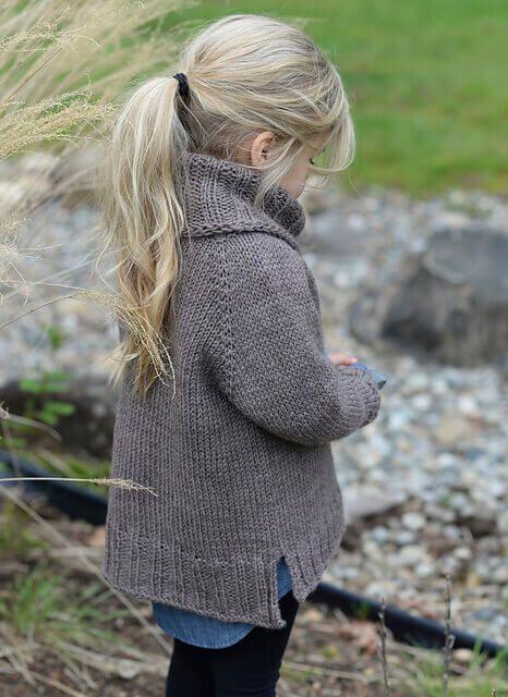 Пуловер для девочки спицами