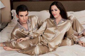 Шёлковая пижама с клетчатыми вставками