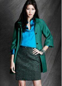 Юбка-карандаш и зеленый пиджак