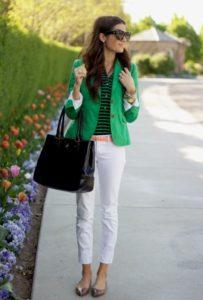 Зеленый пиджак с белым и черным