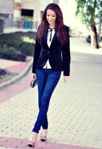 Женский пиджак с джинсами