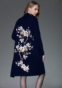 пальто с декором цветы