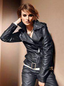 Дерзкий образ с кожаной курткой и кожаными штанами