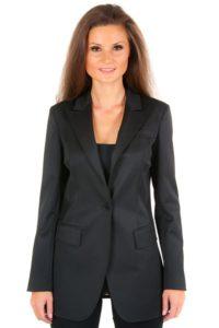 Зимой пиджак можно носить в качестве делового жакета.