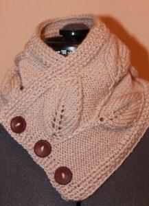 Манишка из шарфа