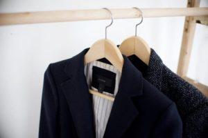 Имейте привычку вешать пиджак на плечики