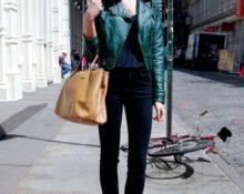 с чем носить зелёную куртку