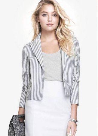 Серый пиджак в полоску