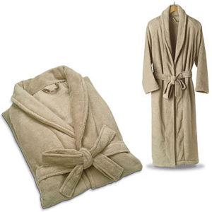 сложенный махровый халат