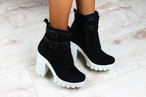 Чёрные ботинки на тракторной подошве