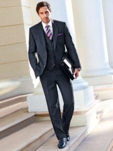Деловой образ мужчины с чёрными туфлями