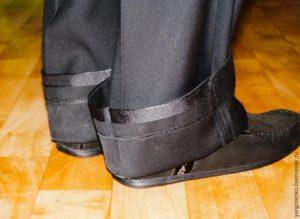 Как подшить длиннеы брюки