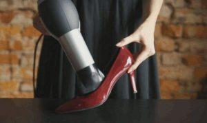 растянуть лаковые туфли феном