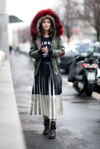 Куртка средней длины и длинная юбка