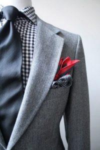 Многоугольник из платка в кармане пиджака