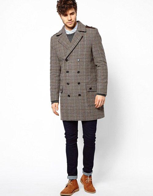 Пальто с ботинками