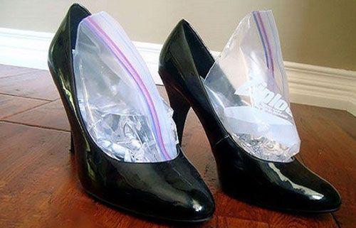 Растянуть туфли льдом