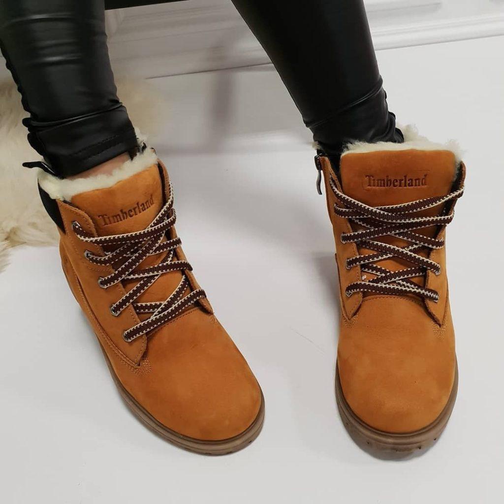 Рыжие женские ботинки
