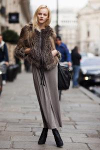 Шубка и длинная юбка