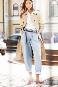 тренч с джинсами