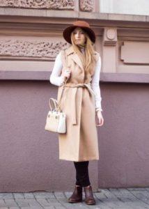 Шоколадные ботинки с пальто
