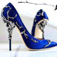 Роскошные синие туфли с декором