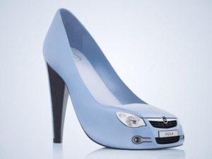 Голубые туфли в форме автомобиля