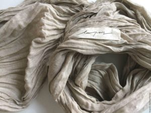 Мятый льняой шарф