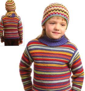 Свитер для мальчика в яркую полоску