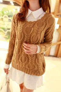 Женский свитер с красивым вертикальным узором