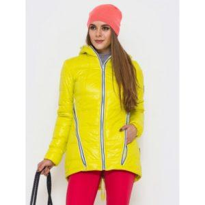 Жёлтая демисезонная куртка и яркая пара