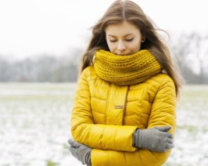 Жёлтый шарф под жёлтую куртку отличная пара