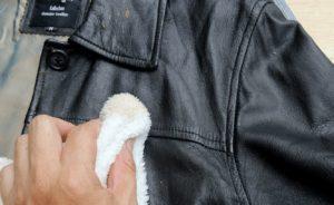 Разглаживаем куртку глицерином
