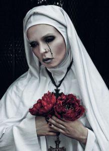 костюм белой монашки