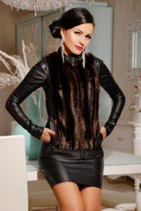 Кожаная юбка с меховому жилету